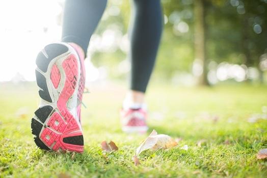 Quelles sont les différences entre les chaussures de sport et les sneakers ?