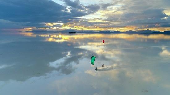 Traversée du Salar d'Uyuni en Kitesurf – Le pari fou de deux aventuriers