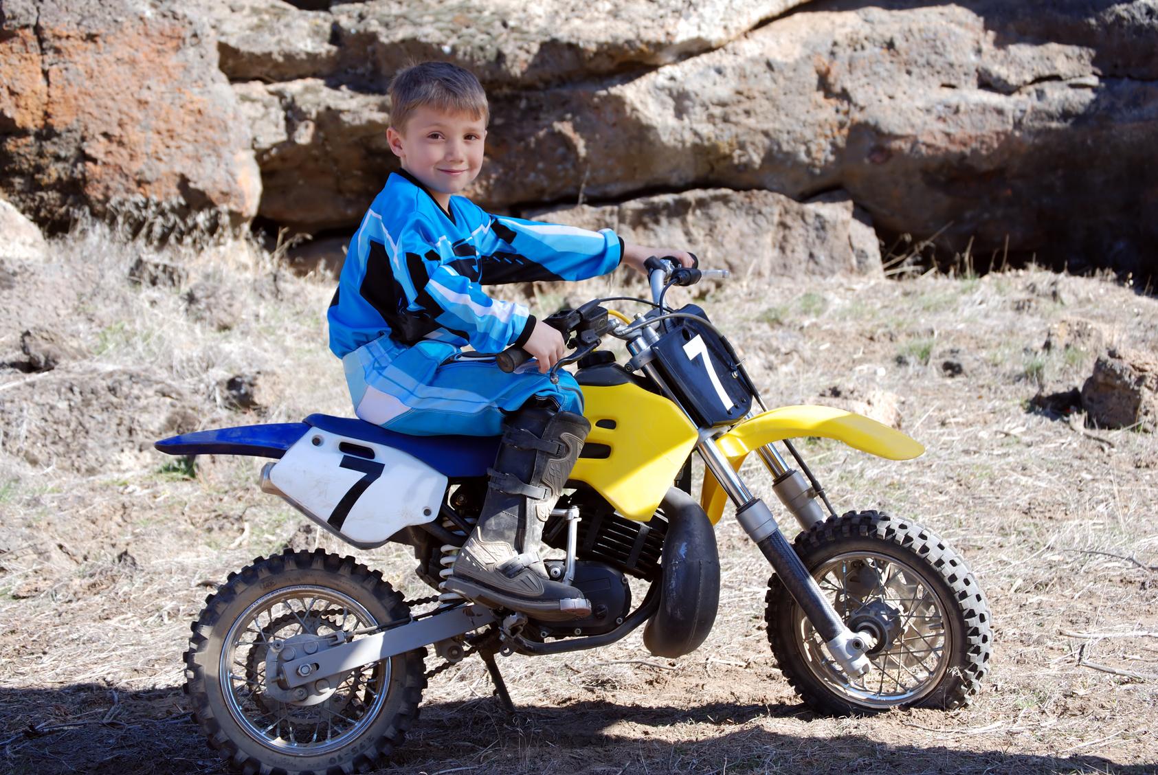 À partir de quel âge peut-on faire de la moto pour enfant ?
